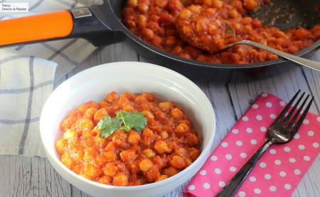 Garbanzos guisados con salsa de tomate