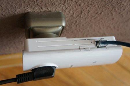 Detalle del botón de encriptación de datos y de la conexión Ethernet Gigabit