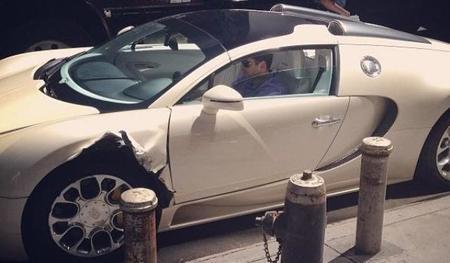 Dolorpasión™: un camión le mete un buen bocado a un Bugatti Veyron en Nueva York
