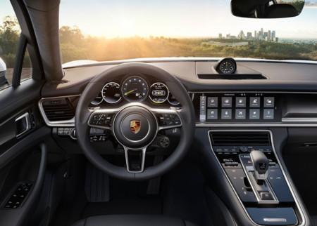 Porsche Panamera 4 E Hybrid 2017 1024 07