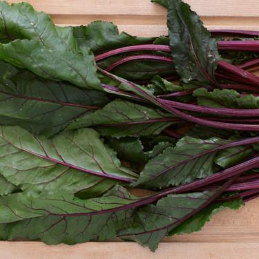 Cómo utilizar las partes (supuestamente) inservibles de las verduras: aquí no se tira nada