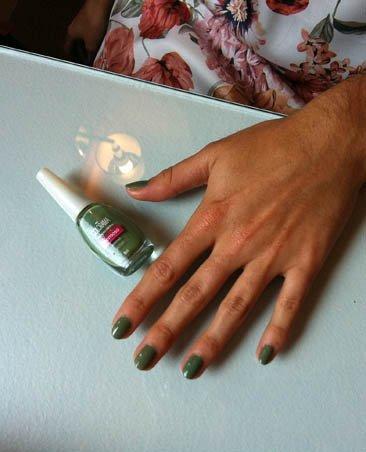 manicura verde