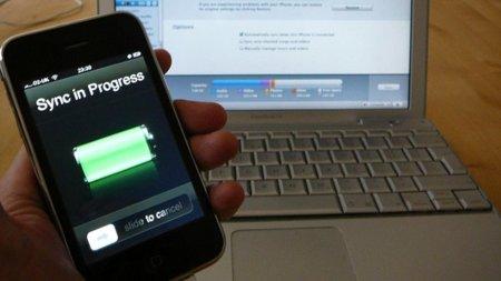 """Steve Jobs responde en un correo que la sincronización sin cables del iPhone llegará """"algún día"""""""