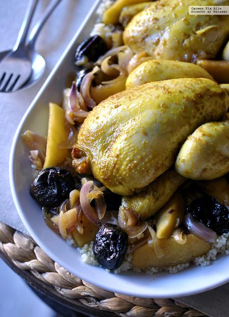 Picantones al curry con manzana, ciruelas y miel