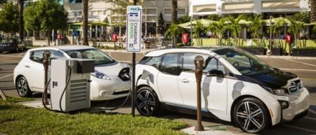 BMW y Nissan le van a hacer la competencia a Tesla con una red de carga rápida
