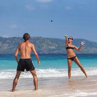 Jugar a las palas en la playa: estos son los beneficios para tu cuerpo