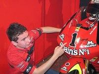 Presentación del equipo Fortuna con Jorge Lorenzo