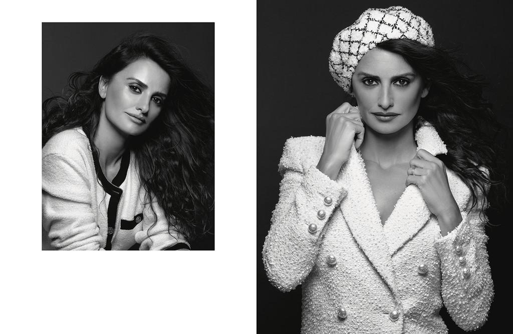 bcf247699b Penélope Cruz posa así de divina para el objetivo de Karl Lagerfeld en la  campaña Crucero 2018 2019 de Chanel