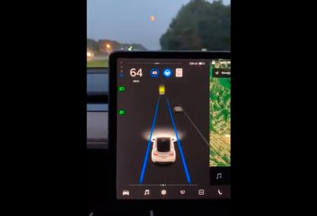 """EEUU tacha a Tesla de """"irresponsable"""" por utilizar a los clientes como beta-testers del nuevo Autopilot"""