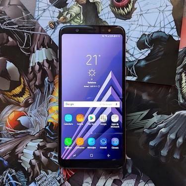 Samsung Galaxy A6+, análisis: la gama media presume de ADN Galaxy en todo menos en potencia