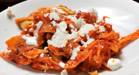 lucky-bs-chilaquiles-rojos-2.jpg