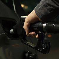 El precio del petróleo sigue en caída libre, y esa no es necesariamente una buena noticia