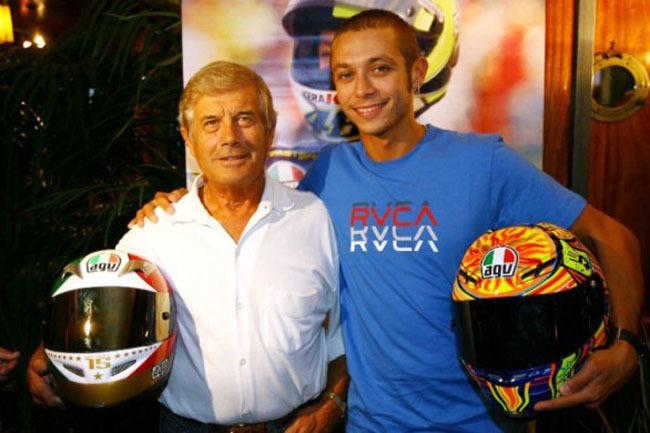 Valentino Rossy y Giacomo Agostini con AGV