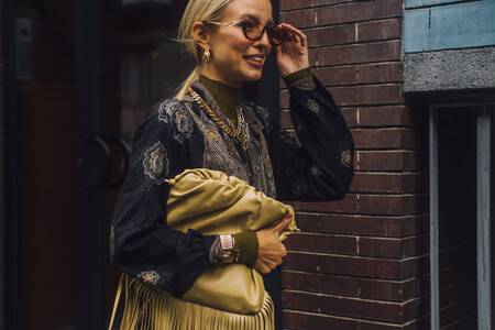El street style dicta las tendencias en joyas del 2021 y esta selección de piezas te permitirán ir a la última