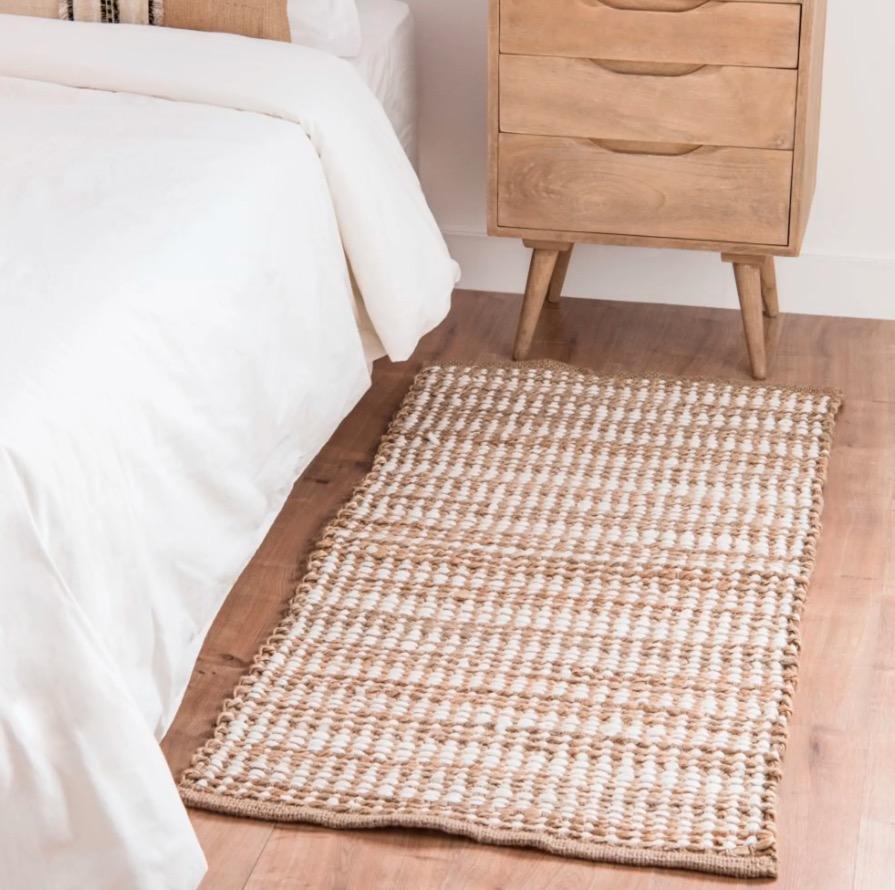 Alfombra Kopeo de algodón dorado con motivos decorativos gráficos 60x120
