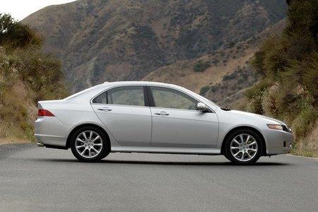 Acura llama a revisión a 167.000 TSX en EEUU