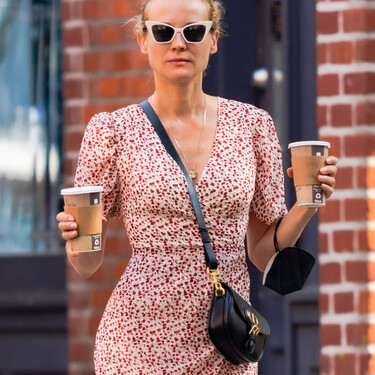 Ha llegado el momento de lucir minivestido con botines y Diane Kruger nos lo recuerda