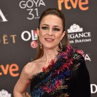 Silvia Abascal se apunta a la tendencia 'velvet' en los Premios Goya 2017