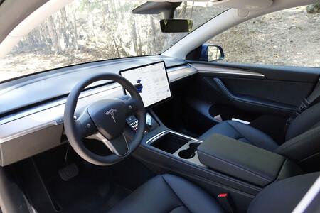 Android Auto llega a los coches Tesla gracias a una ingeniosa aplicación
