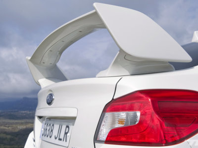 Atención, ¡Spoiler!: los coches con los alerones de serie más salvajes