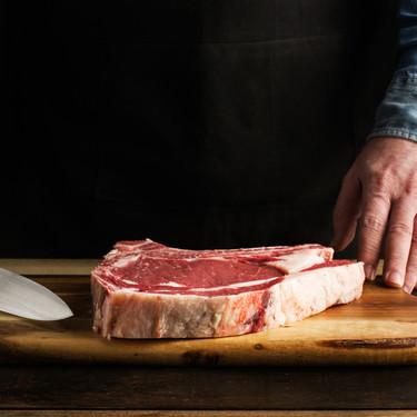 Más chuletones y entrecots en oferta, para comer carne en casa como en los mejores asadores (siguiendo estas instrucciones)