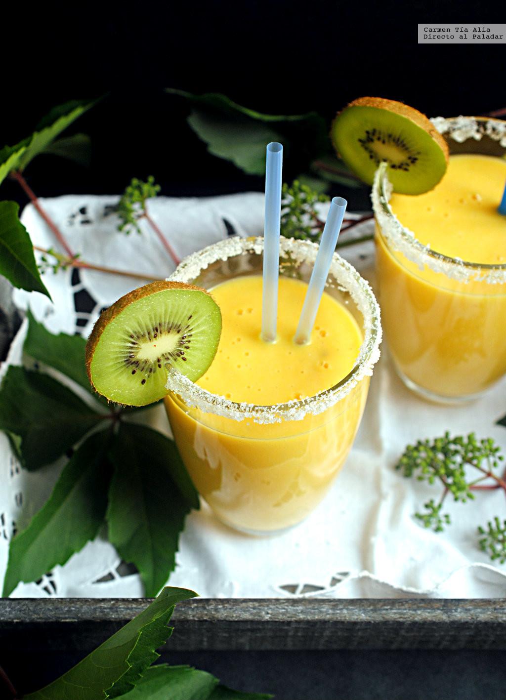 Smoothie de piña, mandarina y jengibre: receta fácil para un desayuno saludable