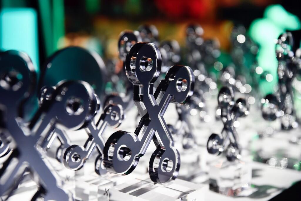 Participa en los sorteos de los Premios Xataka 2020 y gana un OPPO Reno 4 Pro, 2 portátiles MEDION, una experiencia Hyundai y 10 suscripciones a El Corte Inglés Plus
