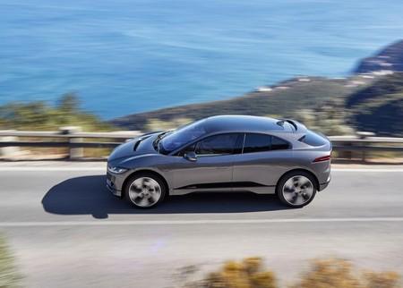 En 2040 tu auto no será tuyo ni será auto: será un SUV eléctrico compartido