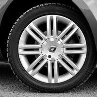 Renault deberá estrechar lazos con Nissan antes de plantearse una fusión con Fiat, según el Gobierno francés
