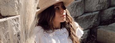 Vestidos de lino, blusas con bordados, monos blancos... Mango quiere que soñemos con un soleado verano con estas 17 prendas
