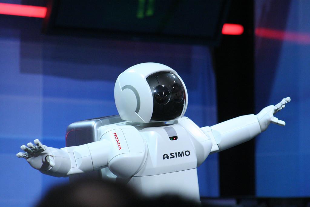 La solución para reducir daños por caídas en robots era obvia: ponerles airbags