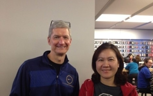 tim cook china apple store
