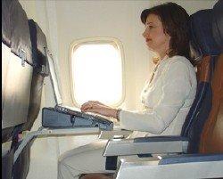 Soporte para usar el portátil en el avión