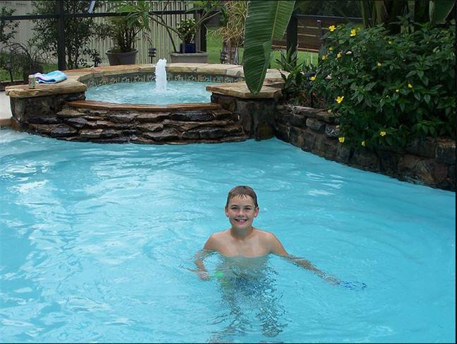 Prevenir los ahogamientos por inmersi n supervisa a tus for Hablemos de piscinas