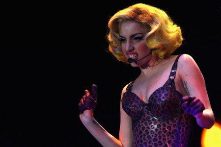 El estilo de Lady GaGa contra el Rihanna: ¿quién es más espectacular en los conciertos? XIV