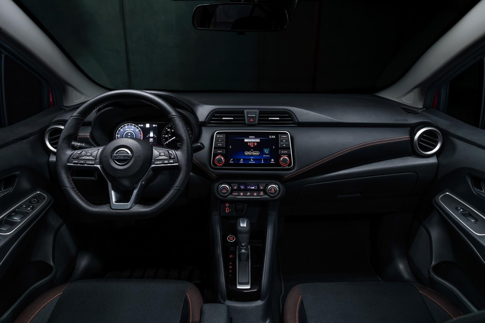 Foto de Nissan Versa 2020 (26/37)