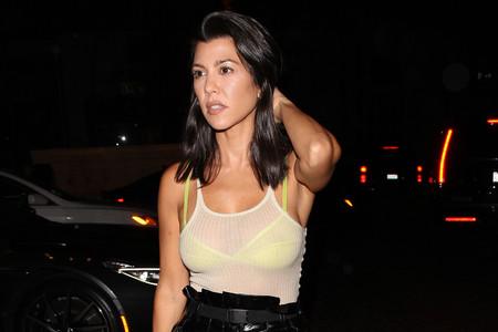 Kourtney Kardashian se apunta a una de las tendencias que más triunfará este otoño 2018. ¿Sabes cuál es?