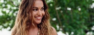 Los looks playeros de Lara Álvarez: todas queremos sus bañadores y bikinis
