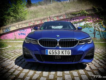 BMW 330i frontal