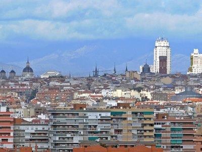 Confirmado: a partir de 2025 los coches más antiguos no podrán circular por Madrid