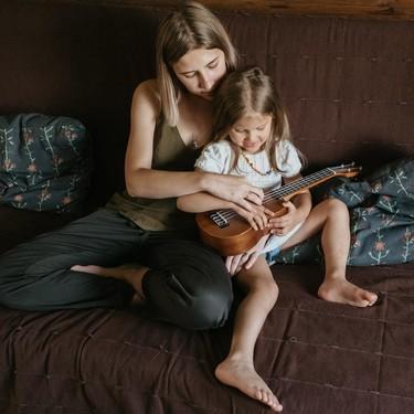 Para las madres y padres que sienten que no pueden con todo durante la cuarentena: lo estás haciendo bien