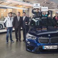 Los del fondo por visitar el BMW Welt se llevan un X1 para conducir un año