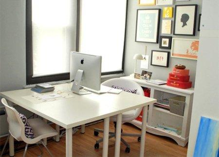 Un escritorio para dos enfrentado