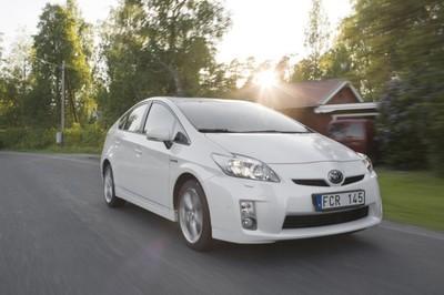 Toyota llama a revisión a 242.000 Prius fabricados en 2009