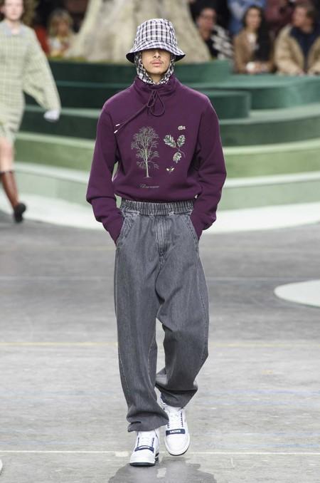 Los Dad Jeans Son La Nueva Forma En La Que El Denim Se Llevara En Otono De Acuerdo A Las Pasarelas 05
