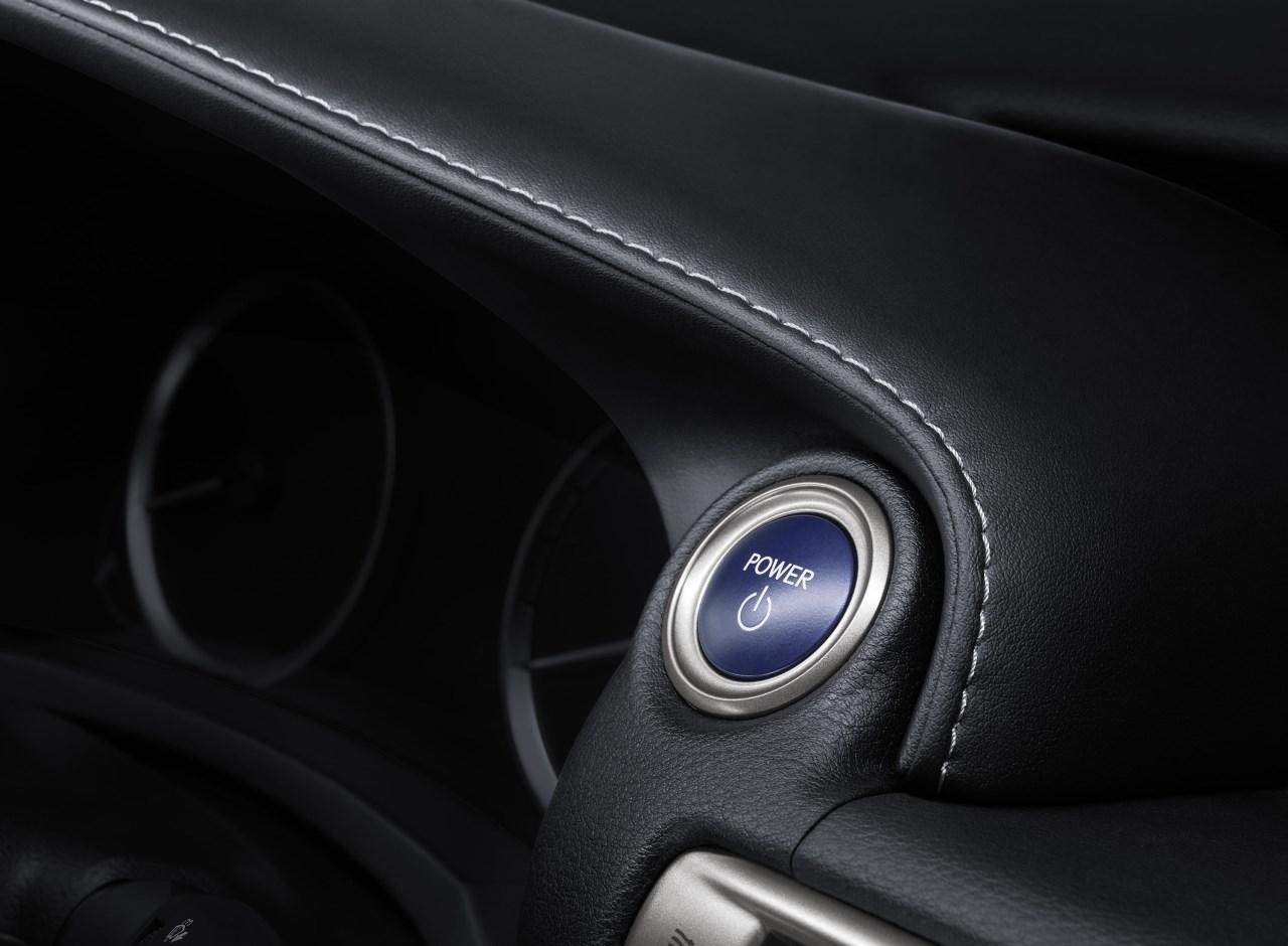 Foto de Lexus IS 300h (1/53)