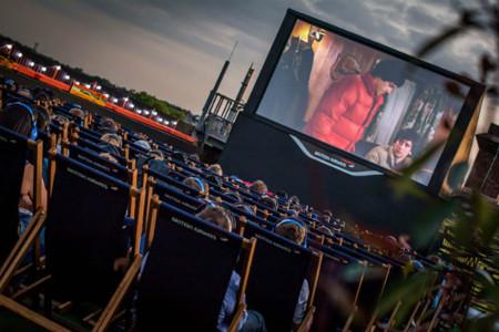 Cines al aire libre, conciertos callejeros, teatro en el parque y otras actividades para disfrutar del sol en Londres