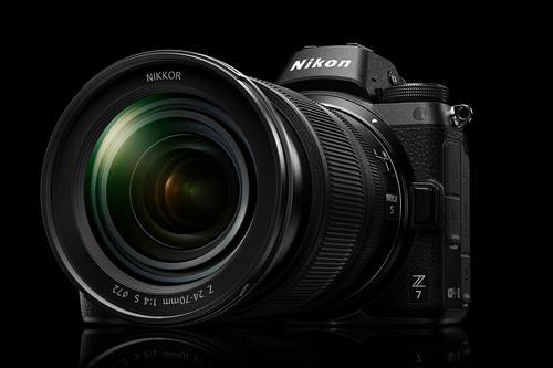 Nikon Z7, Sony A6500, Panasonic Lumix LX100 y más cámaras, objetivos y accesorios en oferta: Llega Cazando Gangas