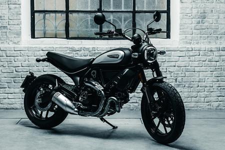 Ducati Scrambler 800 Icon Dark: más asequible, sencilla y oscura que una Scrambler Icon