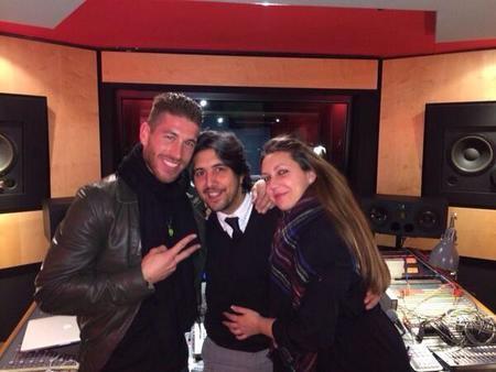 Ay por favor... que ahora Sergio Ramos se arranca con el cante...